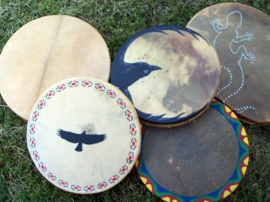 tambours chamaniques élan, cerf, bison